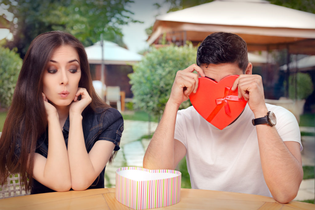 8 signs you re dating the wrong person