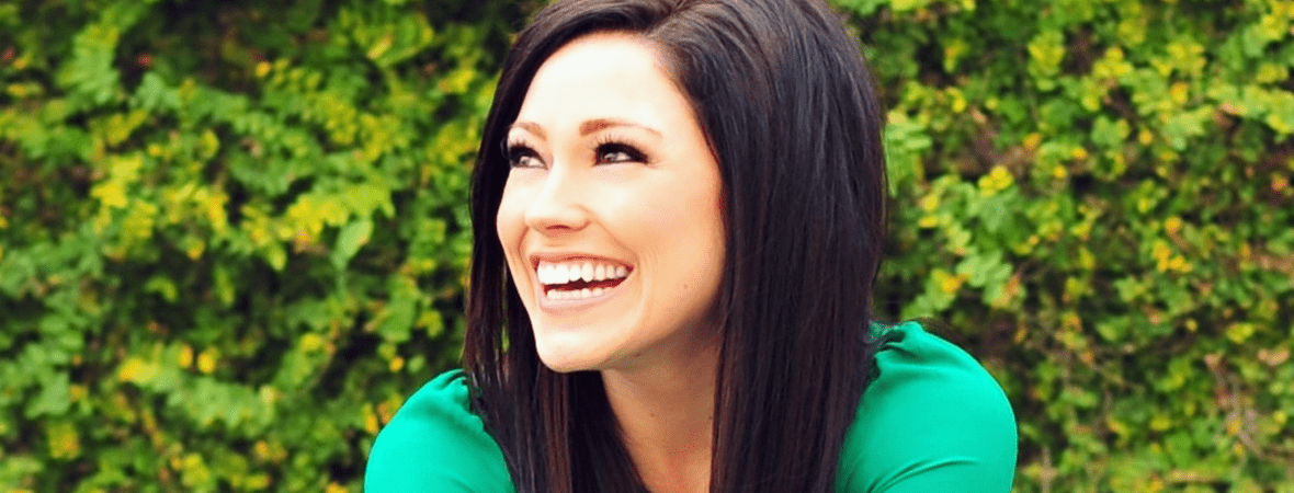 Watch Kari Jobe Paints The Most Beautiful Picture Of Redemption In The Garden God Tv