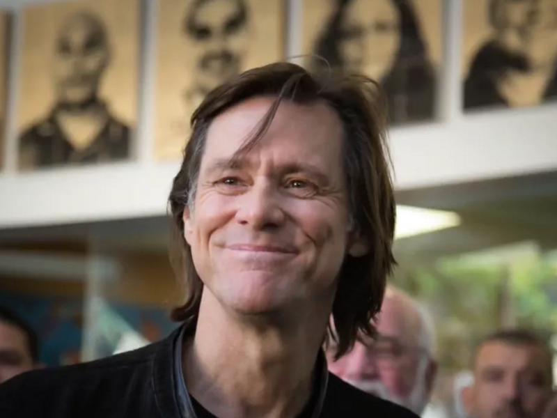 WATCH: Jim Carrey Delivers Stirring Message of Radical Grace To Ex-Cons