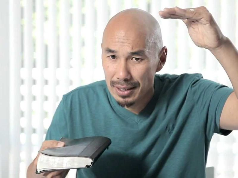 "Francis Chan Drops a Truth Bomb Responding to Jehovah Witnesses Claim ""God Doesn't Listen to Everyone's Prayers"""