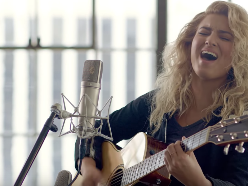 WATCH: Popstar Tori Kelly Praises God While Covering Hillsong United