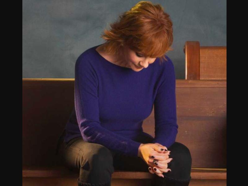 You've Got to Hear Reba's Heartfelt Prayer for America!