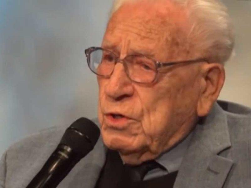 103-Year-Old  Gospel Singer Sings 'How Great Thou Art'