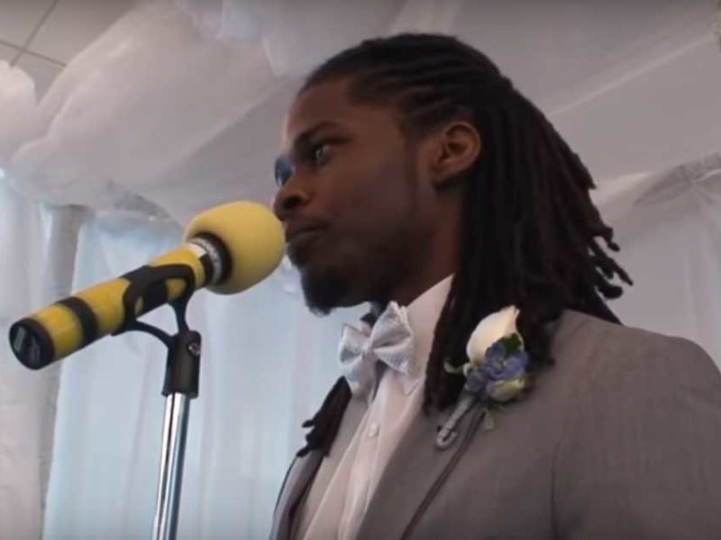 Groom's Spoken Poetry To His Bride On Wedding Day Left The Whole Room In Tears