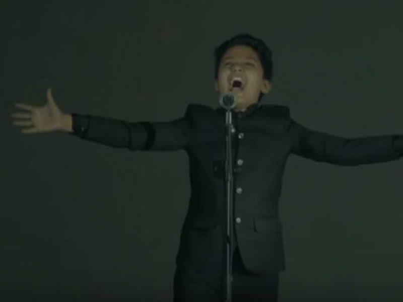 """12-Year-Old Boy Purely Sings """"No Longer Slaves"""" And Captures The Hearts Of Viewers Again"""