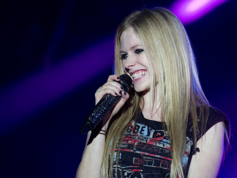"""Avril Lavigne—From """"What The Hell"""" To """"God, Keep My Head Above Water"""" Worship Song"""