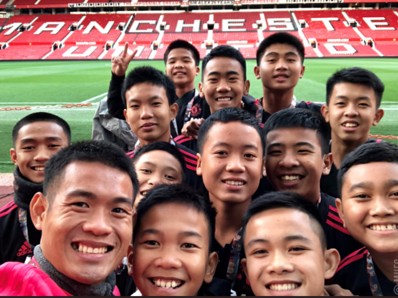 Manchester United Hosts Rescued Thai Cave Football Team In UK