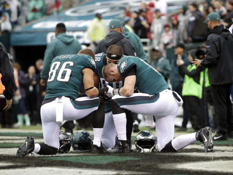 """Philadelphia Eagles Players Say """"God's Word Daily"""" Is Important"""