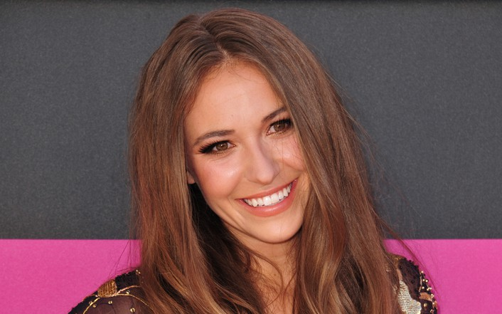 """An Open Letter To Lauren Daigle: """"Remember Why God Raised You Up"""""""