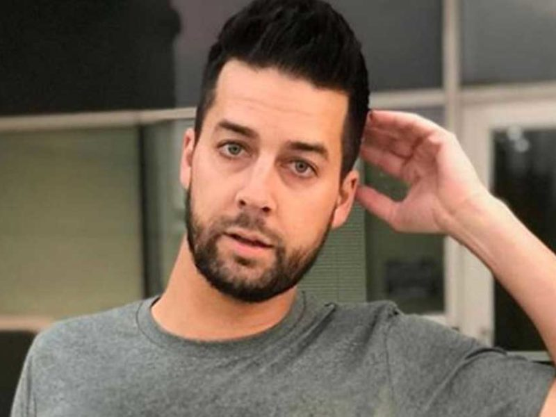Christian Comedian, John Crist Comes Out In Support of Lauren Daigle, Dismissing Critics