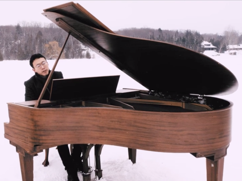 Pianist Plays Hillsong's Oceans On A Grand Piano In The Middle Of A Frozen Lake!