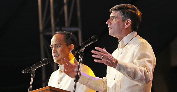 Thousands Make Commitments to Jesus As Will Graham Preaches In Philippines