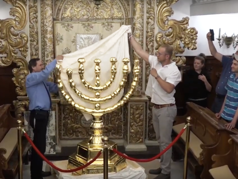 WATCH: Christians Bring Home Menorah from Rome to Jerusalem