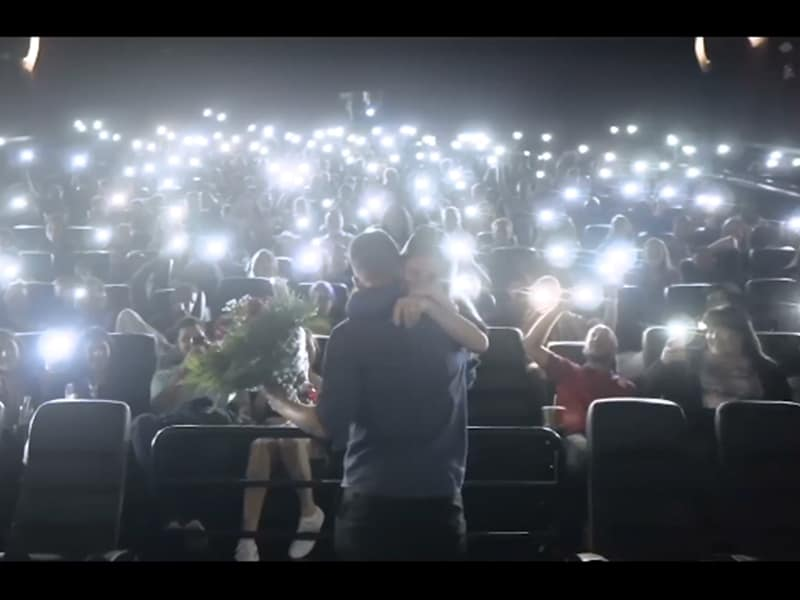 """This Epic Marriage Proposal At An """"Avengers: Endgame"""" Screening Breaks The Internet!"""