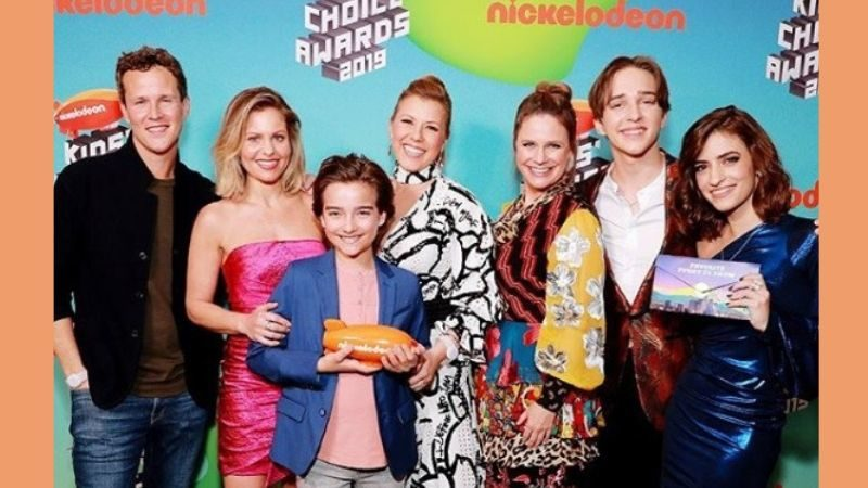 """Prayer Is What Keeps A Family Together""- Candace Cameron Bure After Receiving A Nickelodeon Award"