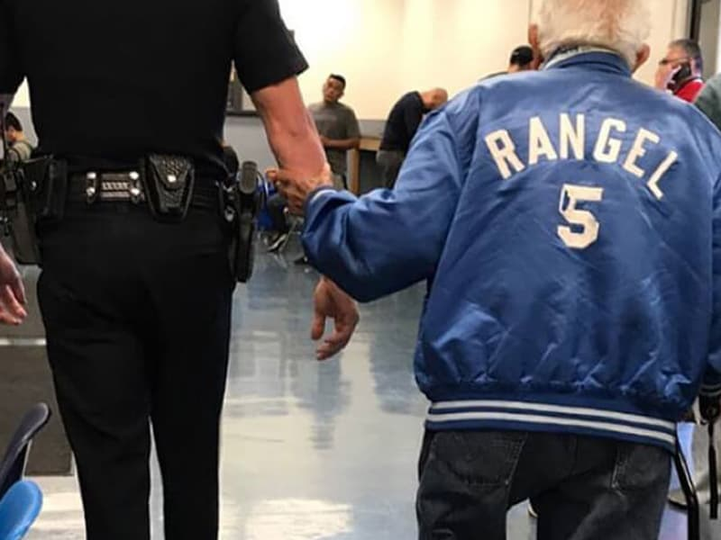 Elderly Man Creates Havoc In A Bank, Cop Who Responds, Does An Unexpected Thing!