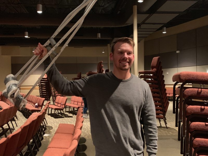 Man Receives Healing And Leaves Service Without Crutches