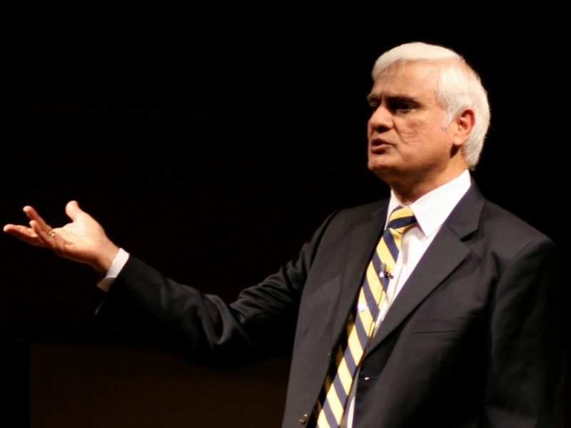 Ravi Zacharias Answers Difficult Question at University of Florida
