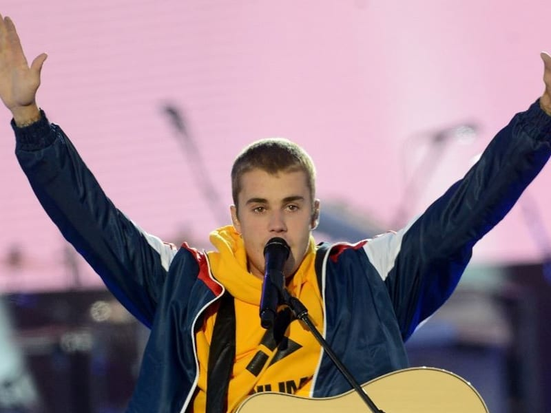 Justin Bieber's First Time Leading Worship Goes Viral!