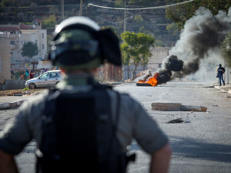 Terrorist Attempts to Ram Security Forces Near Ramallah