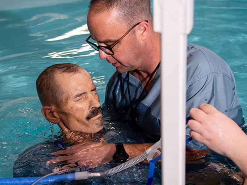 Atheist Cancer Patient Gets Baptized Days Before Dying