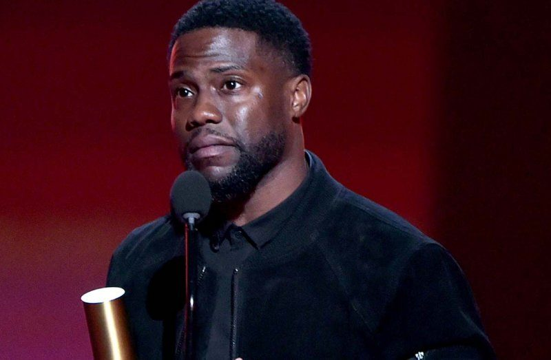 Kevin Hart Honors God At The People's Choice Awards
