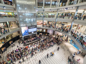 5 year old thrown from third floor in Mall of America