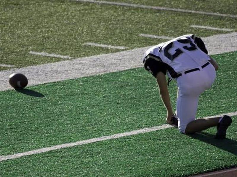 Missouri High School Football Team Is Being Investigated For Alleged 'Illegal' Prayer
