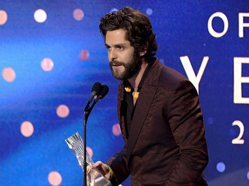 Country Singer Thomas Rhett Prays For Kane Brown In His Speech At CMT Artist Of The Year Awards