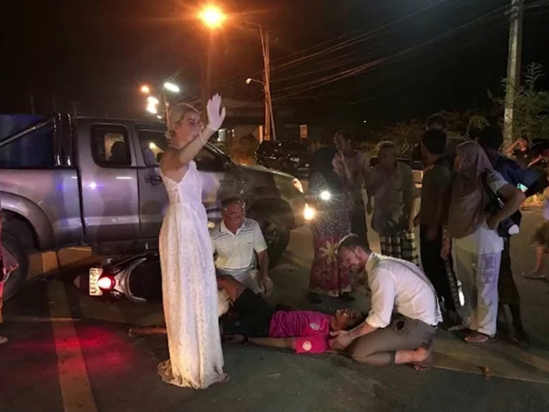Newly Married Doctors Helped Road Accident Victim On Their Way To Their Wedding Reception