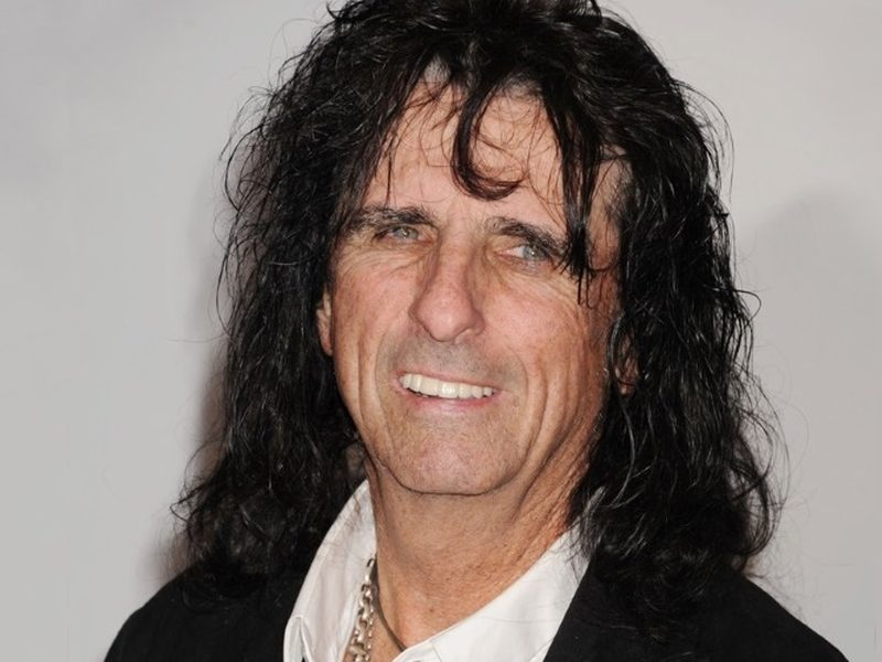 Rocker Alice Cooper Says Jesus Saved Him From Cocaine & Sin