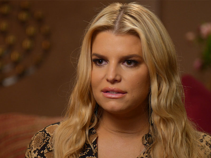 Jessica Simpson Sings 'Amazing Grace' On National Television
