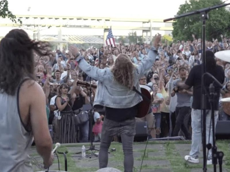 Christians Gathered To Worship In Streets Of Portland During 'Riots To Revival'