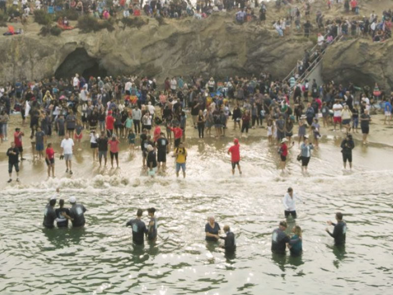 Nearly 1,000 Baptized On California Beach In 'Spiritual Revival'