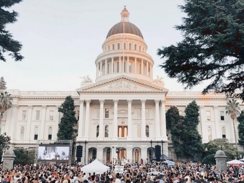 "Over 12,000 Christians Gathered In Worship At The State Capitol Of California: ""Revival In California!"""