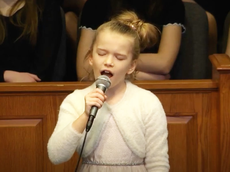 8-Year-Old Girl Sings Lauren Daigle's 'You Say' With Pure Voice