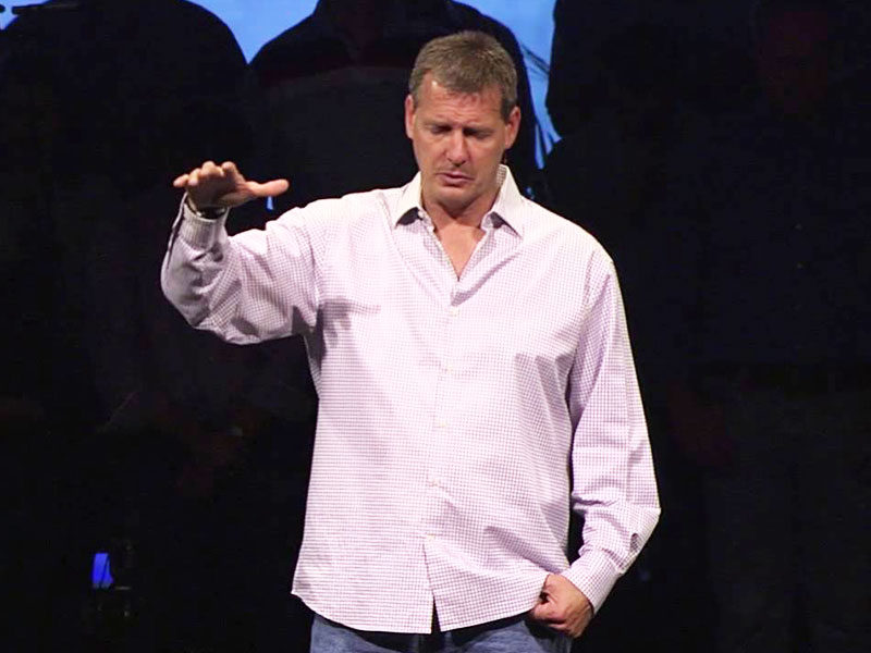 Megachurch Pastor Acknowledges 'Sin Of Pride' And Steps Down From Pulpit