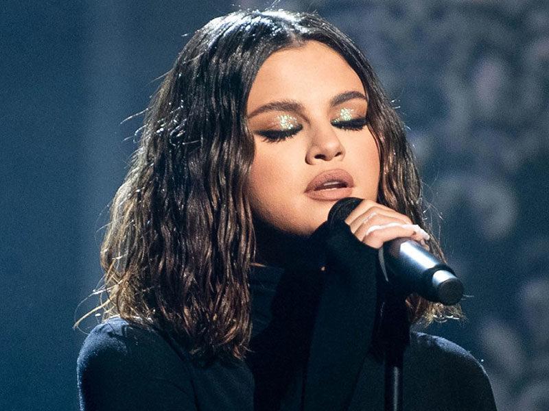 Selena Gomez Sings 'The Blessing' By Kari Jobe To 192 Million Followers