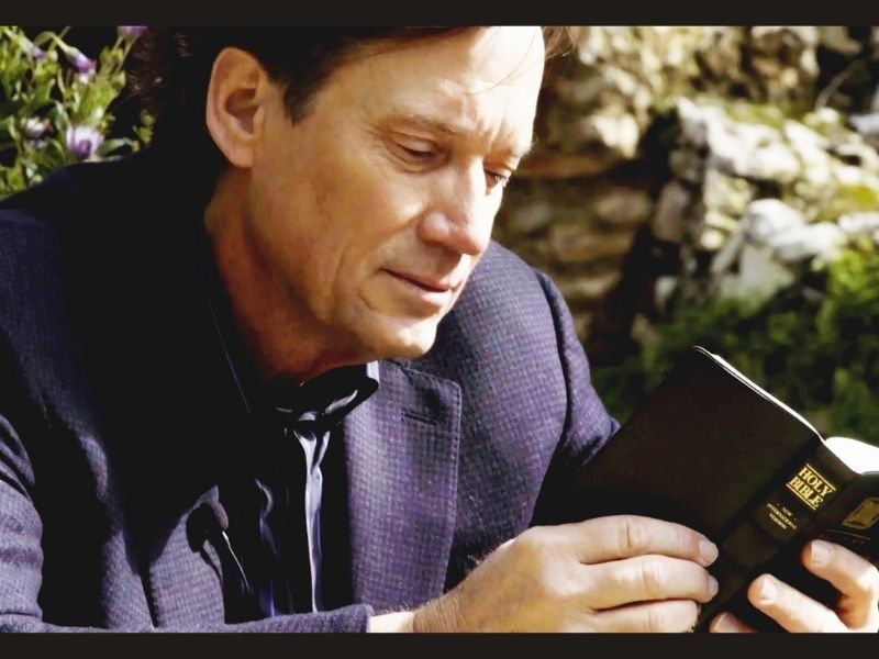 Actor Kevin Sorbo Goes To Prove That Science And Faith Come Together
