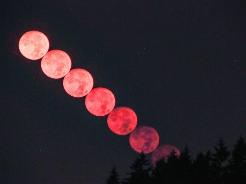 Destructive West Coast Wildfires Turned Moon 'Blood-Red'