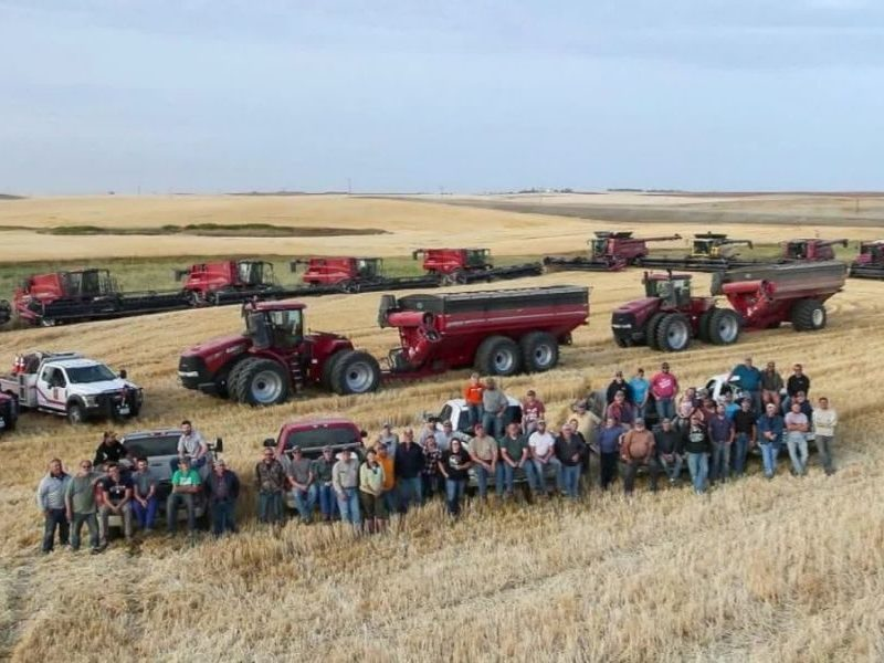 Farmer Suffers Cardiac Arrest During Harvesting, Dozens Showed Up To Save Him And His Crops