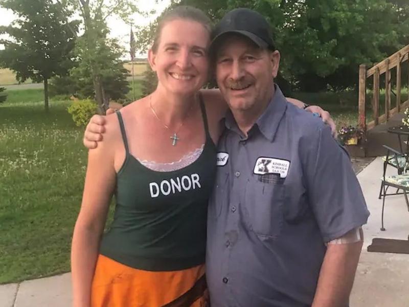 Minnesota Teacher Selflessly Donates Kidney To School Custodian