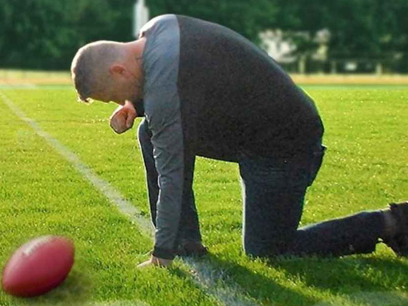 Christian Football Coach Fired 5 Years Ago For Praying In Public Continues Fight