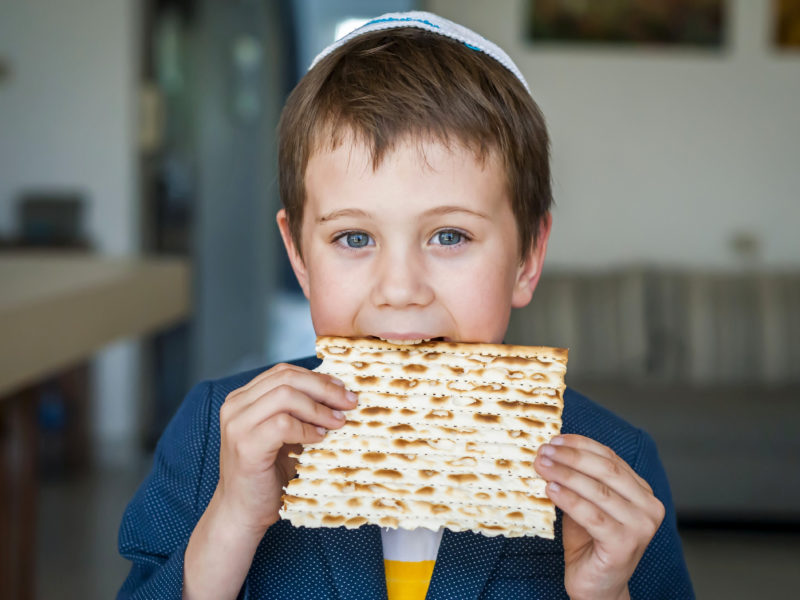 Israeli Tech Innovation Makes A Virtual Passover Seder Accessible For Everyone
