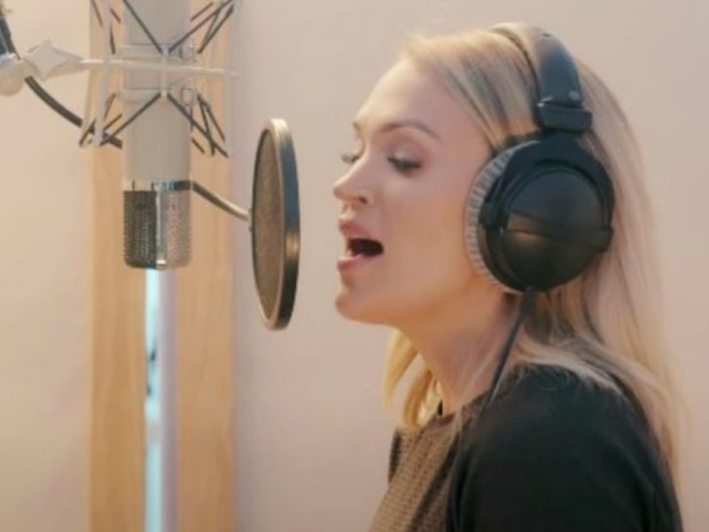 "Carrie Underwood Releases Own Rendition Of Classical Hymn, ""Nothing But The Blood Of Jesus"""