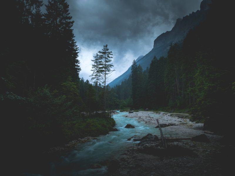 Dirty Glory – Seeking God's Glory In The Darkest Of Places