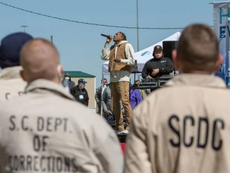 Lecrae Joins With Prison Fellowship In Ministering Inmates This 'Second Chance Month'